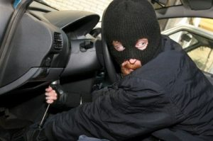 want-find-your-stolen-car-fast-forget-police-and-call-taxi.w654