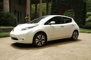 nissan-testing-new-self-cleaning-nano-paint_2