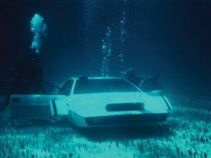 james_bond_lotus_esprit_submarine_car_2