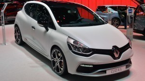 Revised Renault Clio Have Extra Supplies Kit and Delicate New Look